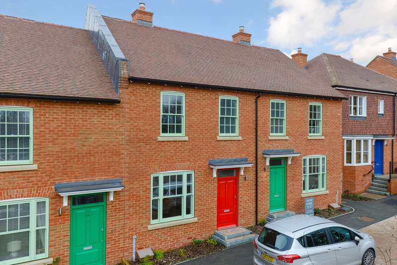 3 Bedrooms Terraced House for sale in Elmwood Park, The Street, Woodnesborough, CT13