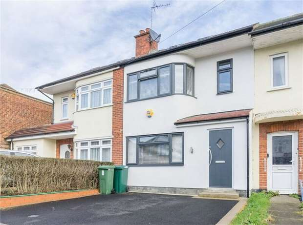 4 Bedrooms Terraced House for sale in Beverley Road, Ruislip, Greater London