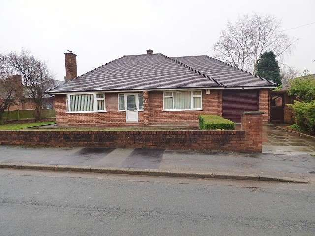 2 Bedrooms Detached Bungalow for sale in Ashbourne Road, Great Sankey, Warrington
