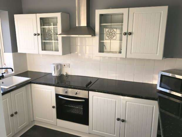 Flat for rent in Mansfield Road, Chessington