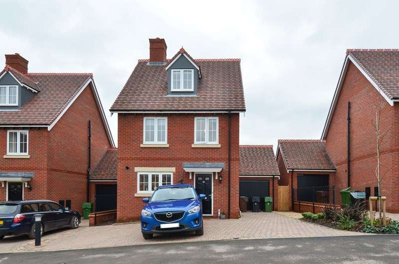 4 Bedrooms Detached House for sale in Butterwick Close, Barnt Green