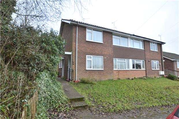 2 Bedrooms Flat for sale in The Meadway, SEVENOAKS, Kent, TN13 3EX