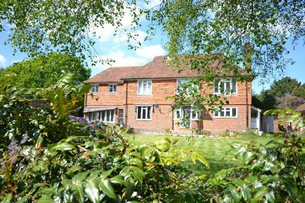 4 Bedrooms Detached House for sale in Sandy Down