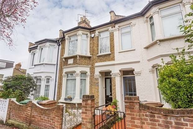 3 Bedrooms Terraced House for sale in Carnarvon Road, London