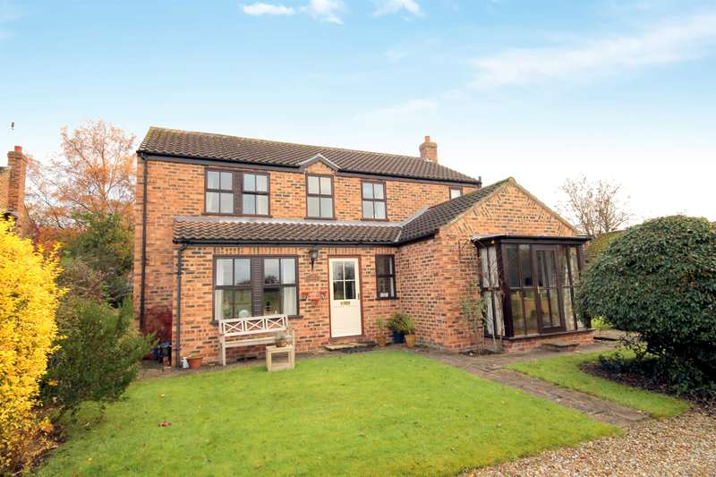 4 Bedrooms Detached House for sale in Church Lane, Elvington, York, YO41 4AD