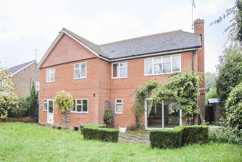 4 Bedrooms Detached House for sale in Offington Lane, Offington, Worthing, BN14 9RJ