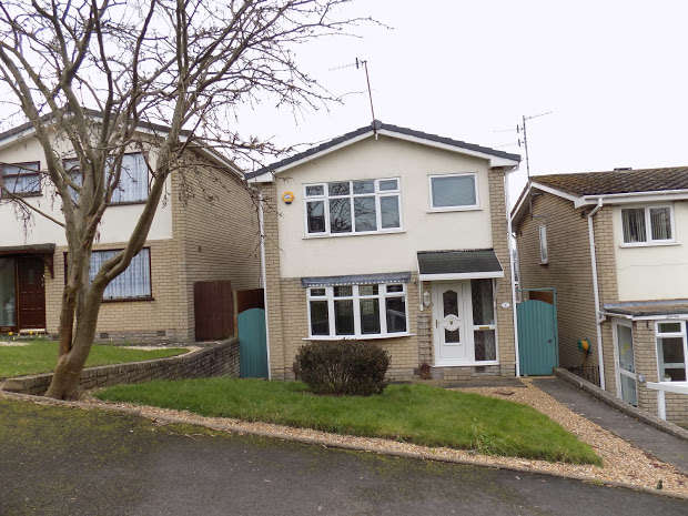 3 Bedrooms Detached House for sale in Barnowl Walk, Brierley Hill, DY5