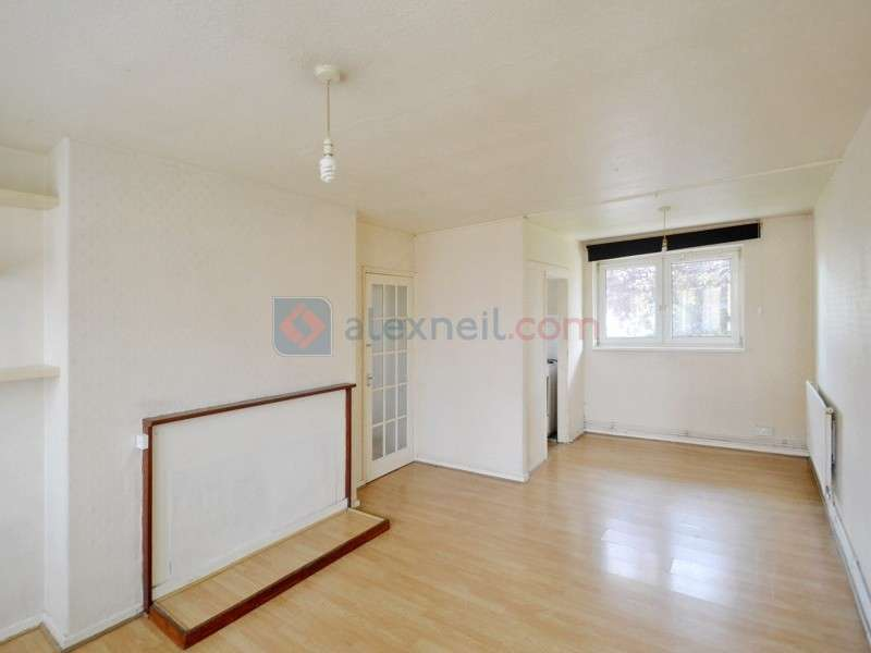 2 Bedrooms Flat for sale in Rosefield Gardens, Poplar E14