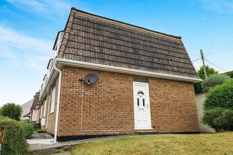 2 Bedrooms Flat for sale in Eastbourne Road, St. Austell, PL25