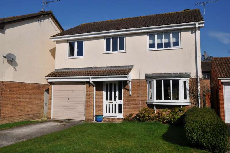 4 Bedrooms Detached House for sale in Hightown, Ringwood, BH24 3DS
