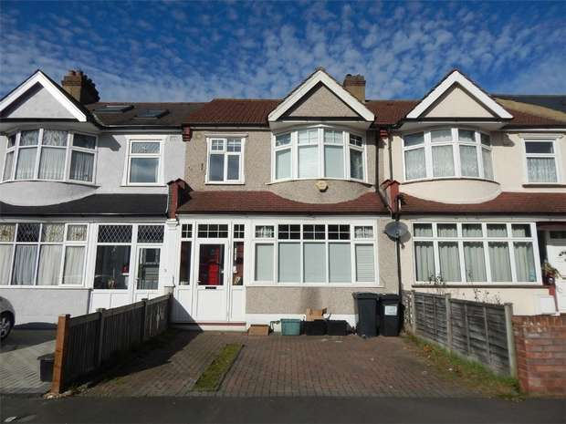 3 Bedrooms Terraced House for sale in Chesham Road, Penge, London