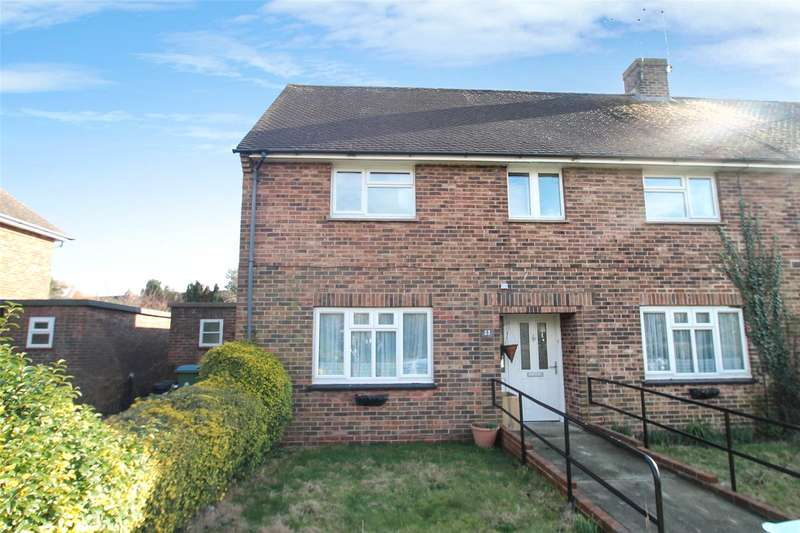 2 Bedrooms Apartment Flat for sale in Roundstone Crescent, East Preston, West Sussex, BN16