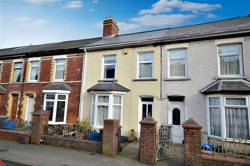 2 Bedrooms Terraced House for sale in Godfrey Road, Cwmbran