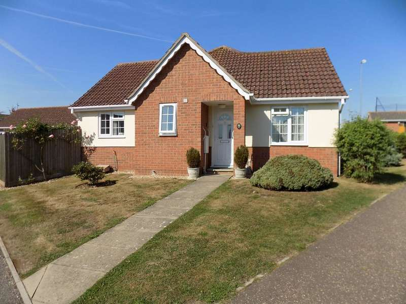 2 Bedrooms Semi Detached Bungalow for sale in Coggeshall Way, Halstead CO9