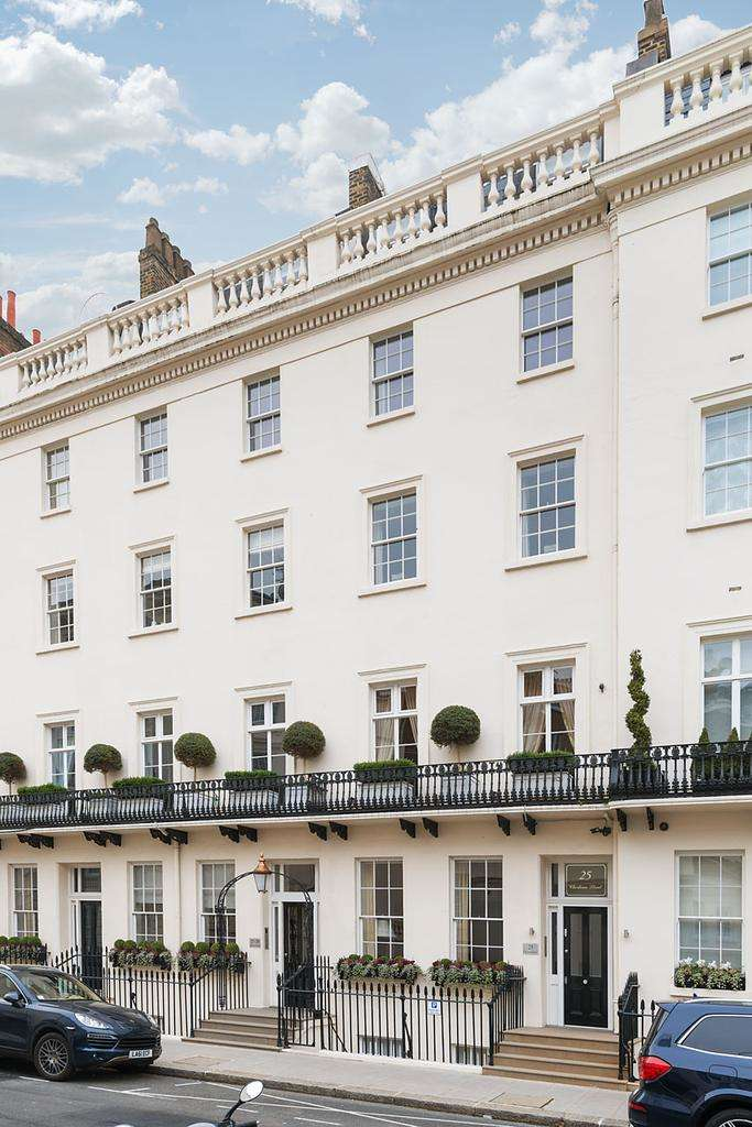 3 Bedrooms Flat for sale in Eaton House, Chesham Street, Belgravia, SW1