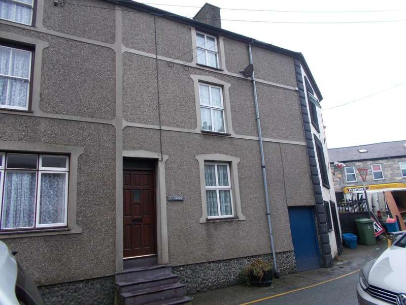 3 Bedrooms Terraced House for sale in STRYD Y PLAS, NEFYN LL53
