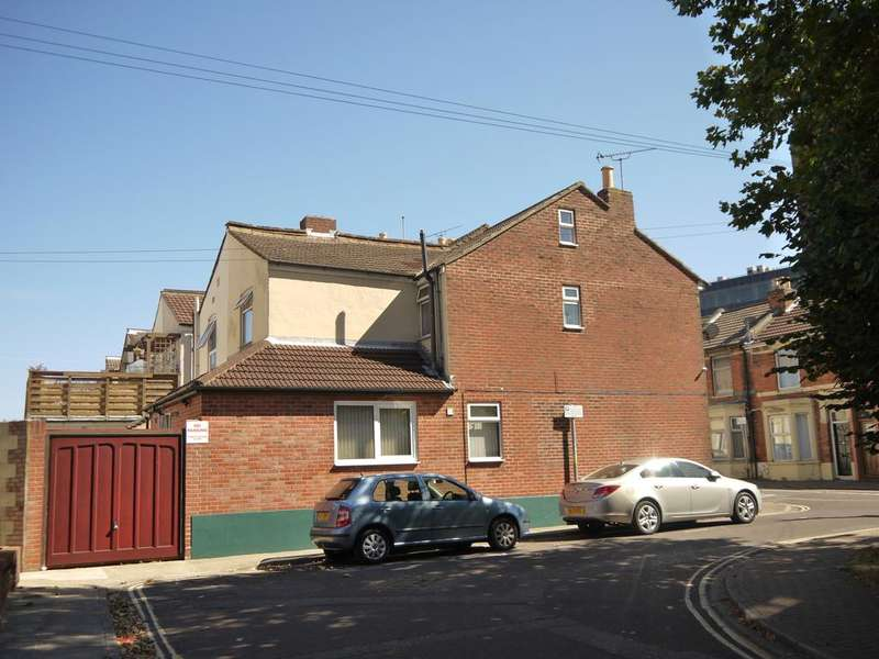 3 Bedrooms End Of Terrace House for sale in Bevis Road, North End, Portsmouth PO2
