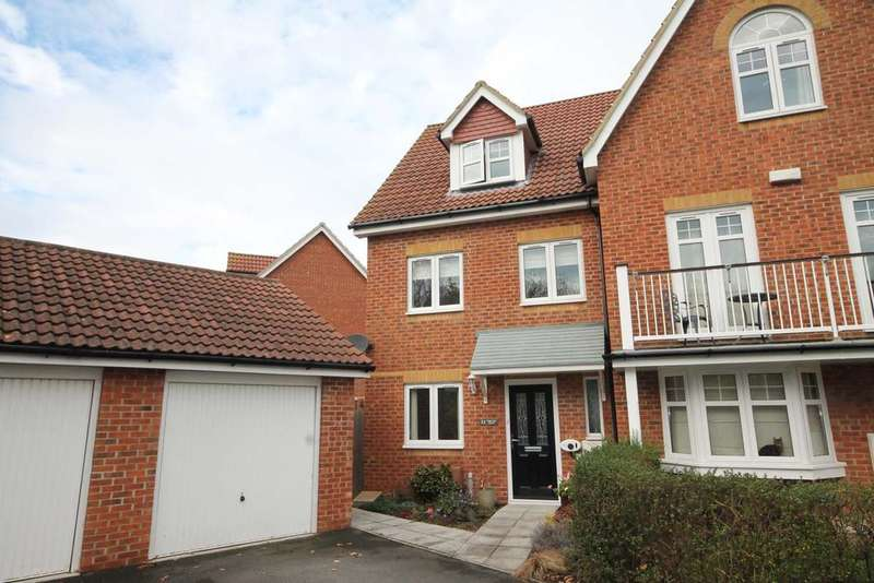 3 Bedrooms Semi Detached House for sale in Proctor Drive, Lee on the Solent PO13