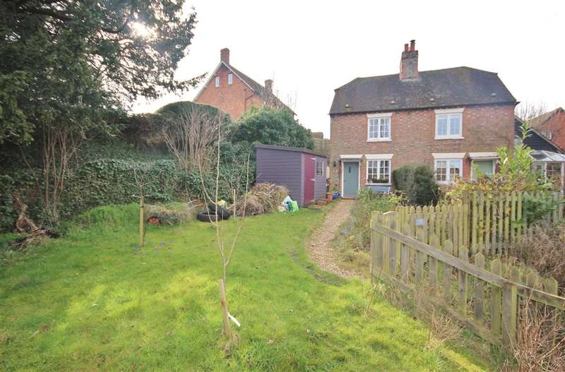 2 Bedrooms Semi Detached House for sale in Willow Cottages, Letcombe Hill, East Challow, Wantage, OX12