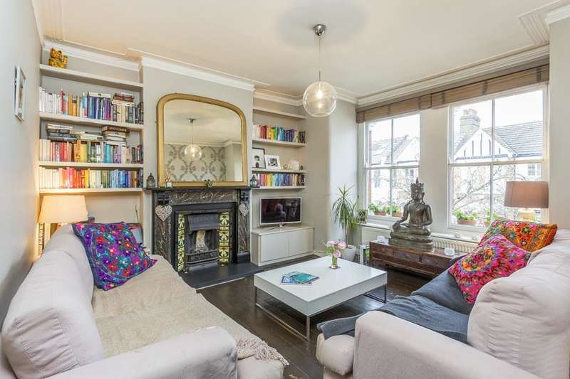 3 Bedrooms Maisonette Flat for sale in Davis Road, London W3