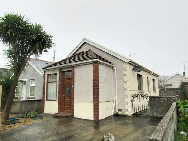 2 Bedrooms Detached Bungalow for sale in Derwent Street, Llanelli, Carmarthenshire