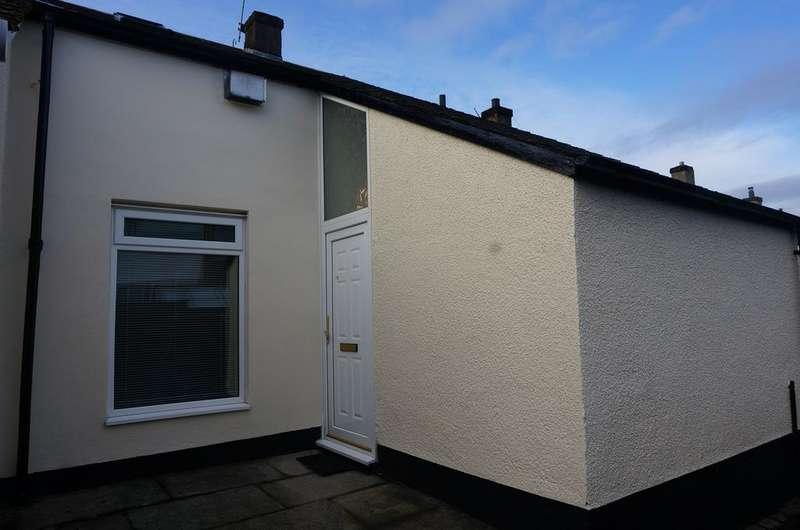 3 Bedrooms Terraced House for sale in Ferguson Road, Seafar, Cumbernauld G67