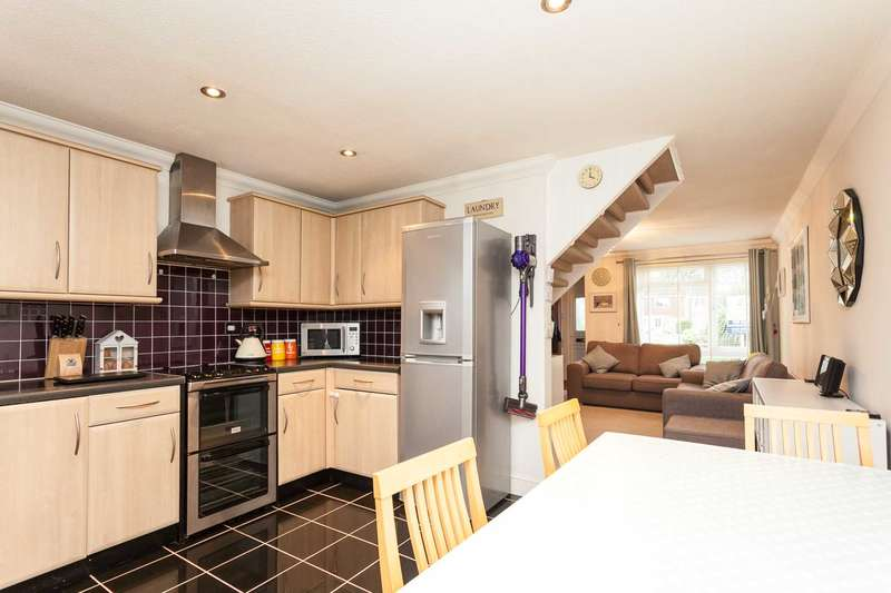 2 Bedrooms Terraced House for sale in Timber Mill, Southwater