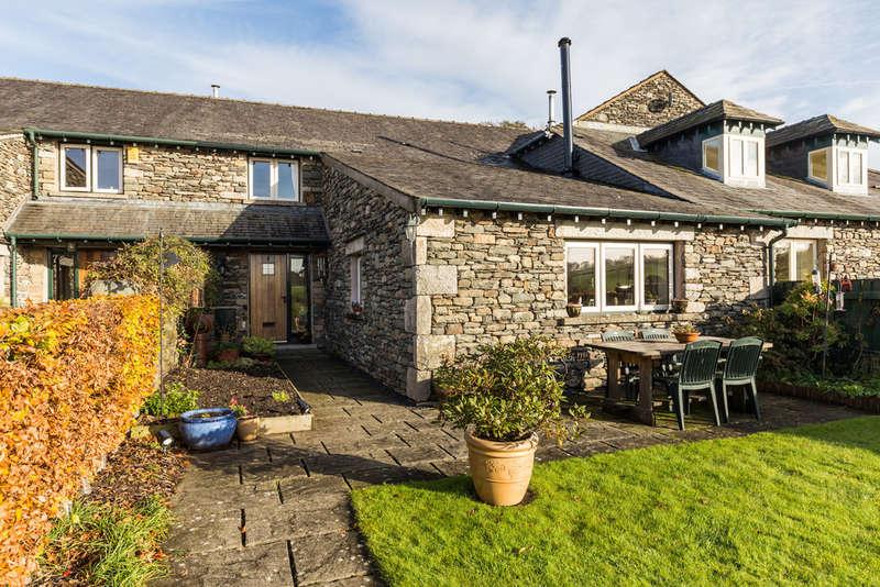 4 Bedrooms Unique Property for sale in 6 Kiln Croft, Skelsmergh, Kendal, Cumbria, LA9 6NE