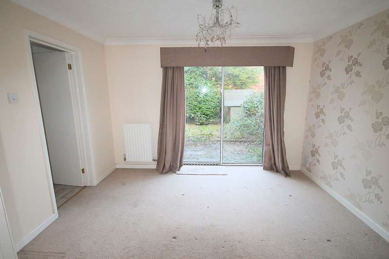 4 Bedrooms Detached House for sale in Huntingdon Close, Fazeley, Tamworth, B78 3XS
