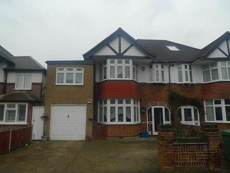 4 Bedrooms Semi Detached House for sale in Percy Road, Whitton TW2