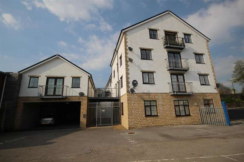 2 Bedrooms Apartment Flat for sale in The Courtyard Development, Colne Lane, Colne