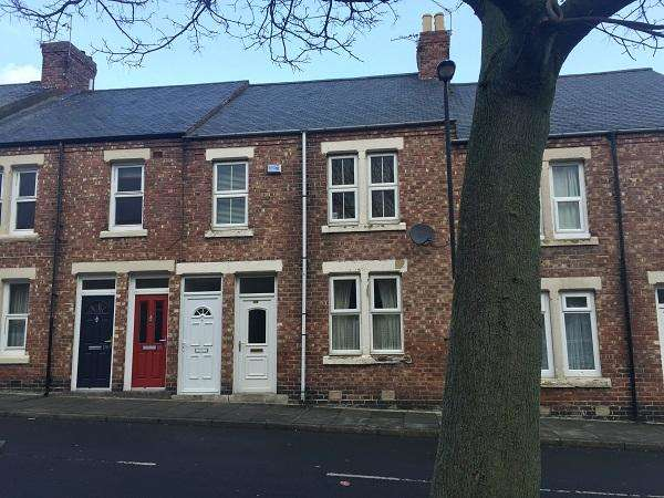 3 Bedrooms Flat for sale in Scarborough Road, Byker, Newcastle upon Tyne NE6