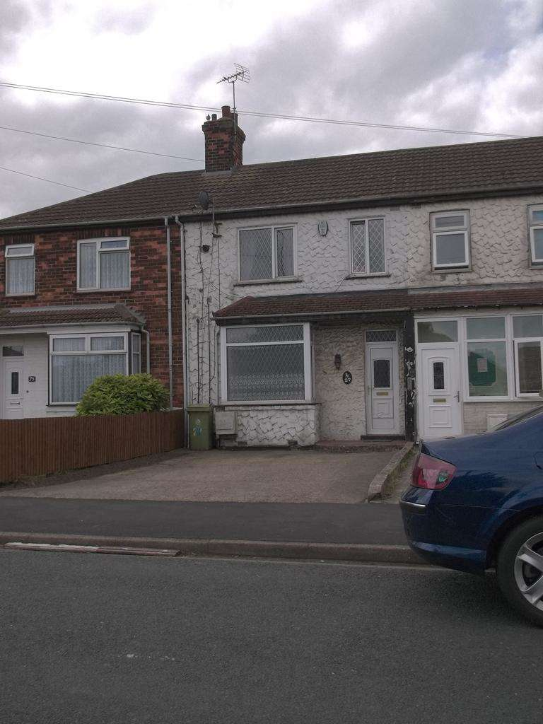 3 Bedrooms Terraced House for sale in Manby Road, Immingham DN40