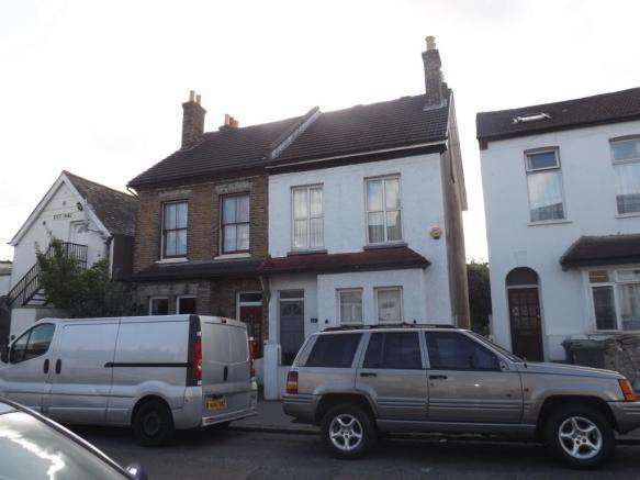 4 Bedrooms Semi Detached House for sale in Woodside Avenue, South Norwood, London SE25