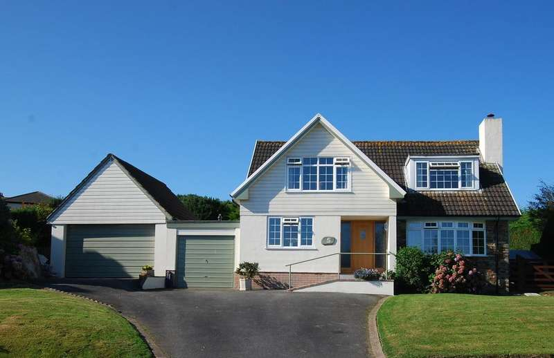 3 Bedrooms Detached House for sale in St Helens, Abbotsham, Bideford EX39