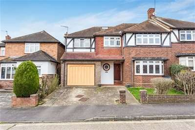 5 Bedrooms Semi Detached House for sale in Glen Crescent, Woodford Green