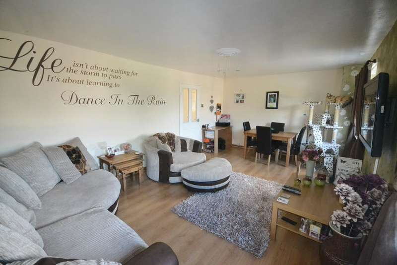 3 Bedrooms Maisonette Flat for sale in The Wynd, Marske TS11