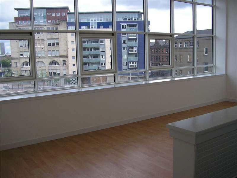 2 Bedrooms Flat for rent in Albion Street, Merchant City, Glasgow