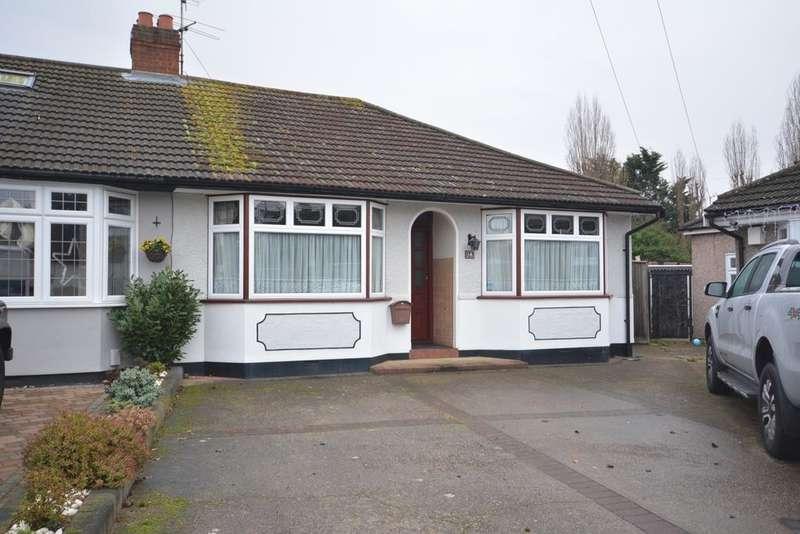 2 Bedrooms Semi Detached Bungalow for sale in Oak Glen, Hornchurch RM11