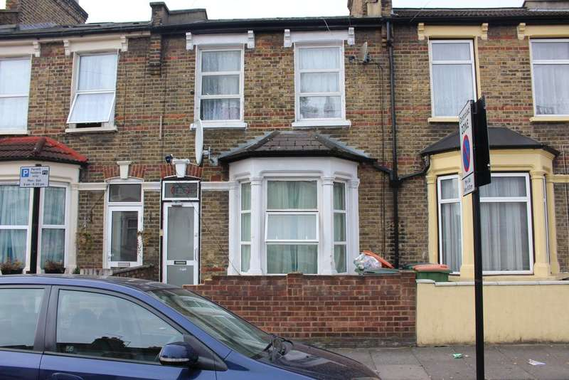 4 Bedrooms Terraced House for rent in Selsdon Road, Plaistow, London E13