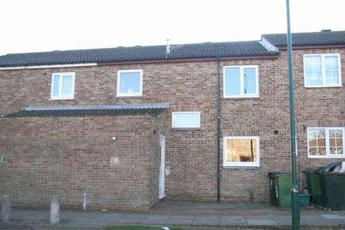 3 Bedrooms Terraced House for sale in Raithwaite Close, Guisborough