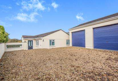 5 Bedrooms Detached House for sale in Herland Road, Godolphin Cross, Helston