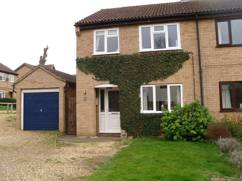 3 Bedrooms House for sale in Blenheim Way, Yaxley, PE7