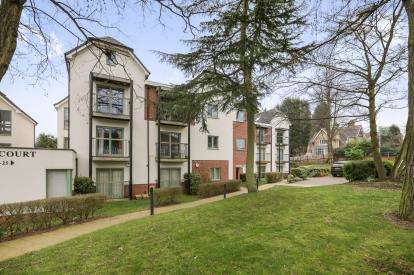 3 Bedrooms Flat for sale in Magnolia Court, Muchall Road, Penn, Wolverhampton