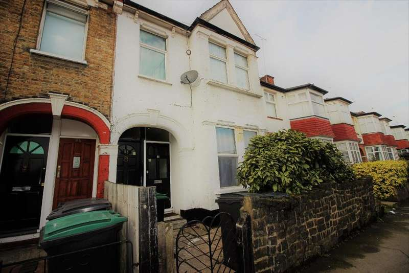 2 Bedrooms Flat for sale in Stamford Road, Tottenham, London, N15 4PH