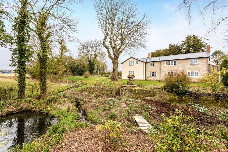 5 Bedrooms Detached House for sale in Preston, Wiltshire, SN15
