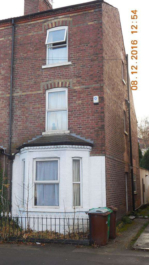 3 Bedrooms Semi Detached House for rent in Nottingham NG5