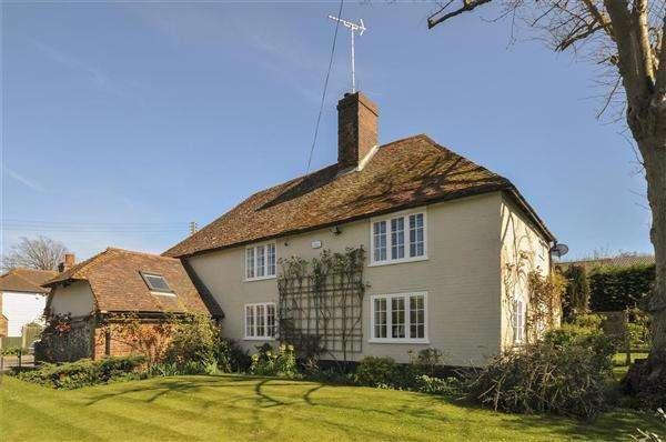 4 Bedrooms Detached House for sale in Brook Farm House, Whitehill, Eastling Road, Ospringe, Faversham