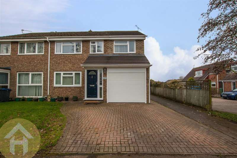 4 Bedrooms Property for sale in Briars Close, Royal Wootton Bassett, Swindon
