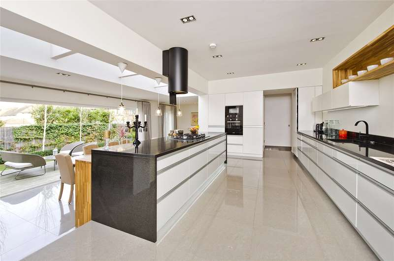 5 Bedrooms Semi Detached House for sale in Upper Richmond Road West, Richmond, TW10